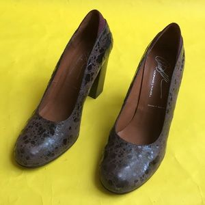 Maroon Donald J. Pliner leather heels